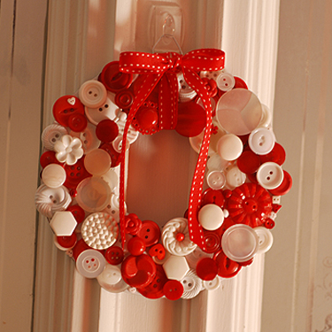 the buttons can make a wreath